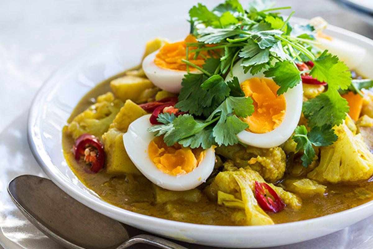 Egg Potato and Veg Curry